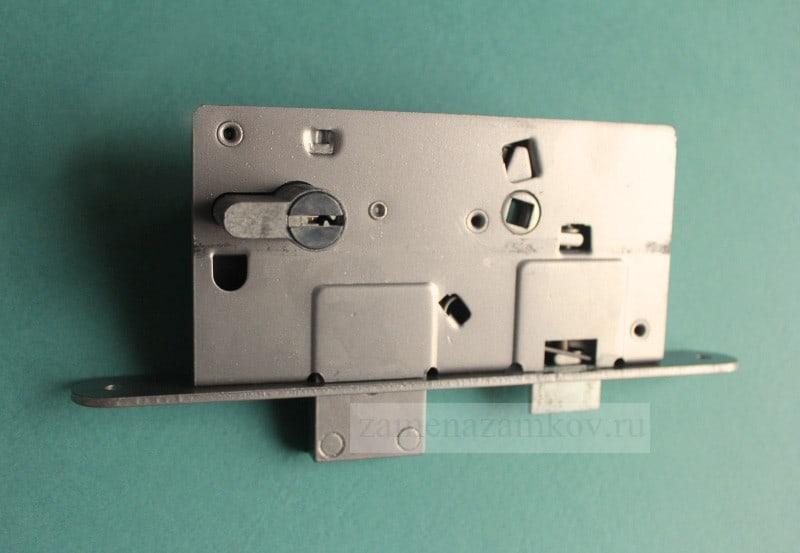 Заменить замок в металлической двери zamenazamkov.com