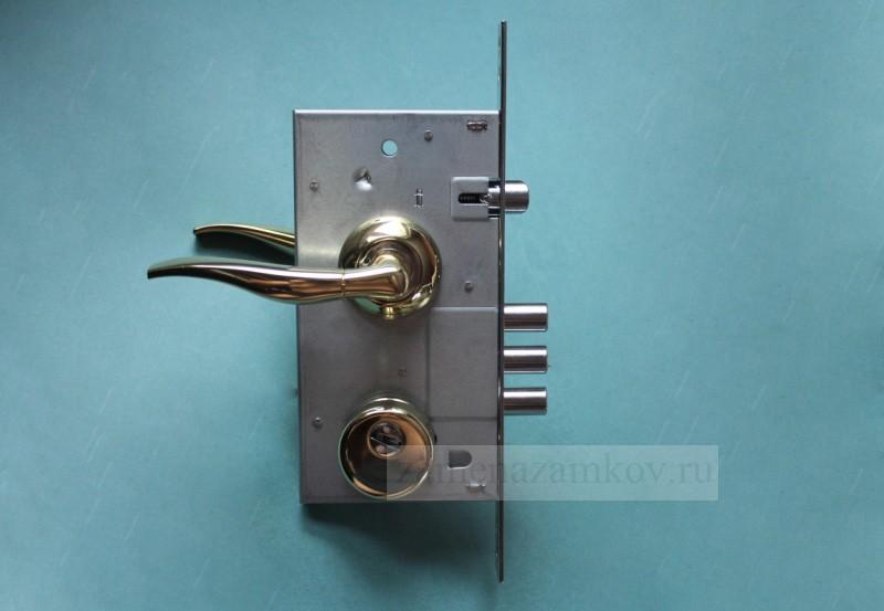 Замена замка на входной металлической двери zamenazamkov.com