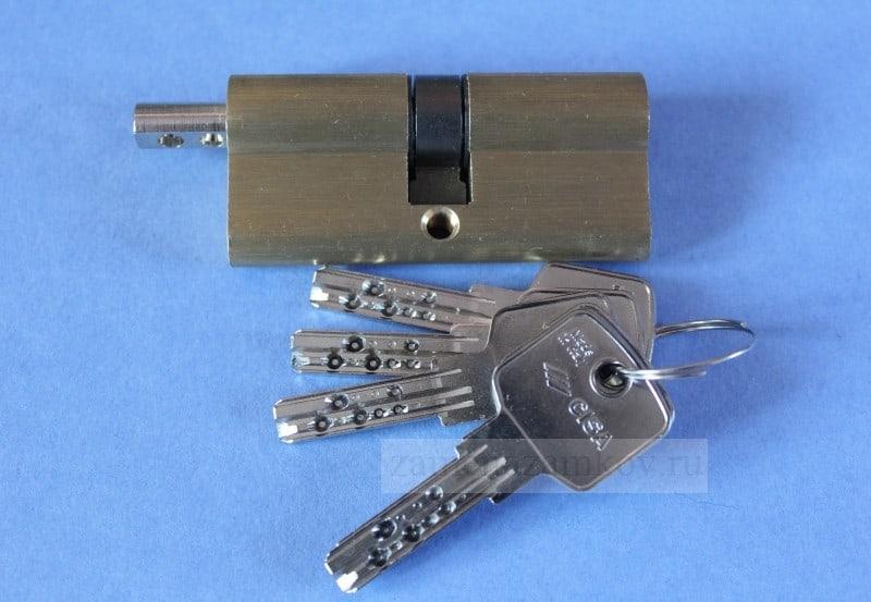Заменить личинку замка на металлической двери zamenazamkov.com